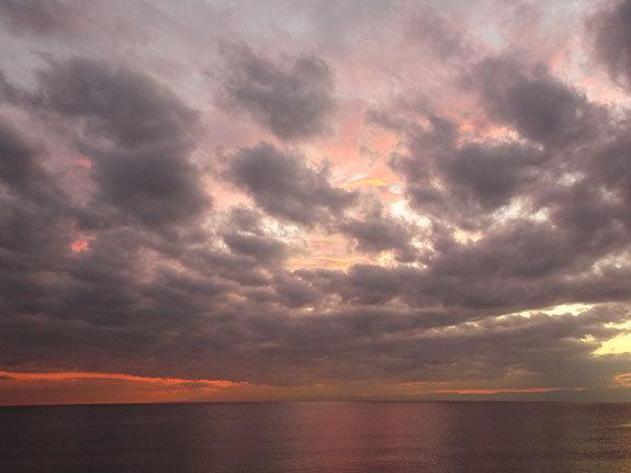 **堀文子展と夕暮れの海**_c0319737_23421167.jpg