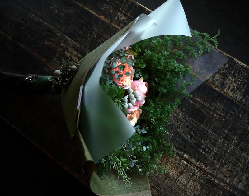 ダンスパーティーで、先生への花束。ANAクラウンプラザホテル札幌にお届け。_b0171193_23382075.jpg