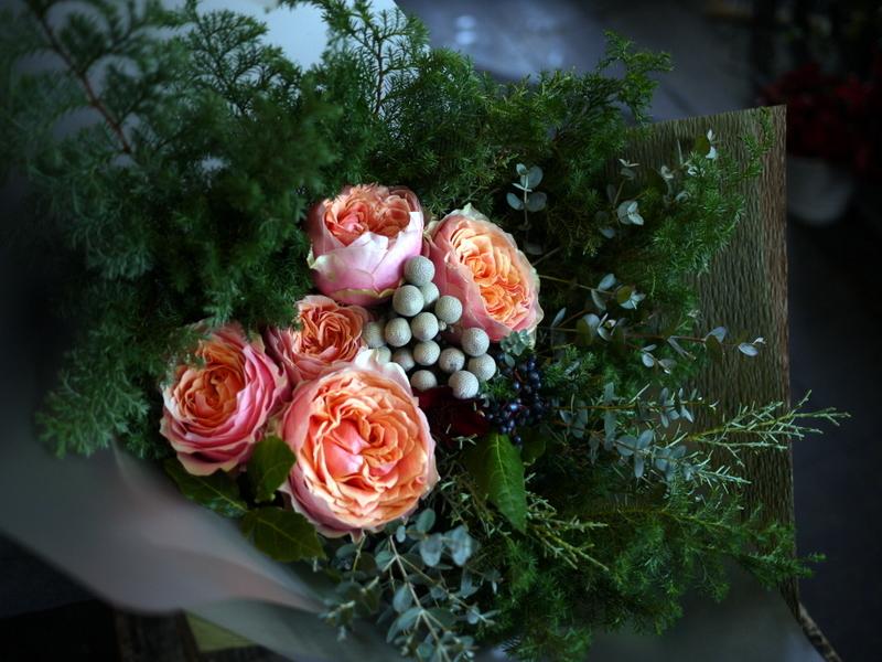 ダンスパーティーで、先生への花束。ANAクラウンプラザホテル札幌にお届け。_b0171193_23382567.jpg