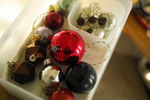 クリスマスオーナメントをしまう。_c0334705_13344662.jpg