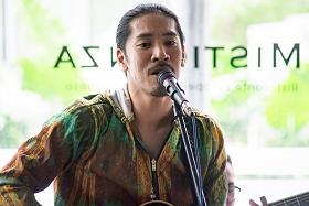 歌手の加藤ひろあきさん 日本インドネシア60都市ツアー」「僕なりの友好」を来年の目標_a0054926_07015396.png