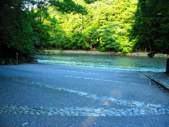 五十鈴川と笹の露のこと。その1_b0299052_09060828.jpg