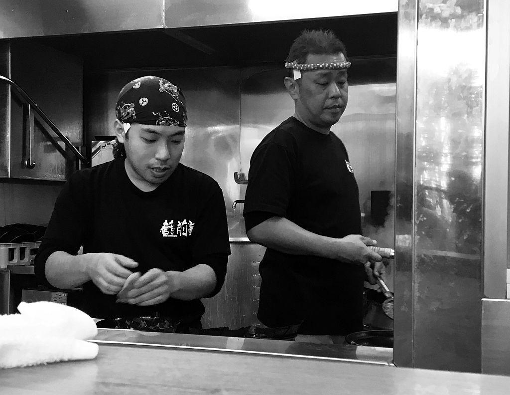 細江町「蔵前家」でチャーシュー麺_e0220163_17245680.jpg