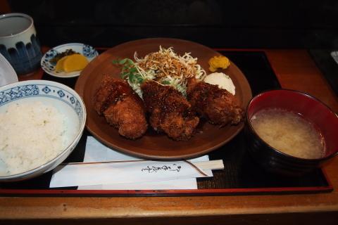 恒例の小網神社へ行く。三友で爆弾牡蠣フライランチを食べる!_a0240026_17561706.jpg