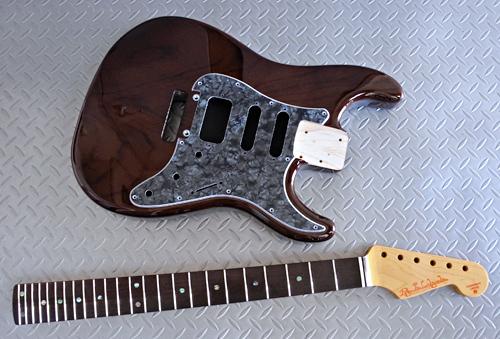 Burn Brown色 × 3種のギターの塗装が完了です!_e0053731_16220518.jpg