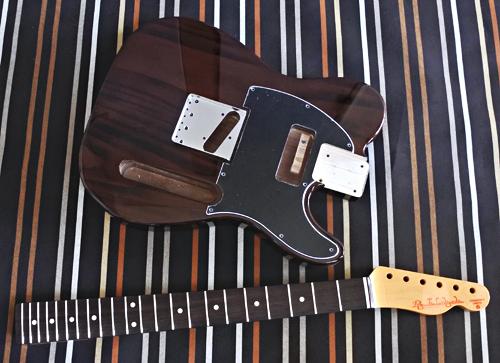 Burn Brown色 × 3種のギターの塗装が完了です!_e0053731_16221618.jpg