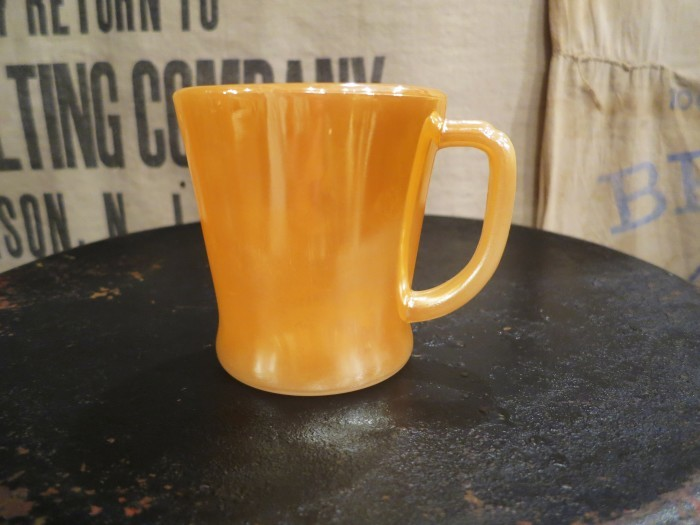 Fire King D Mug Peach Luster_e0187362_11473629.jpg