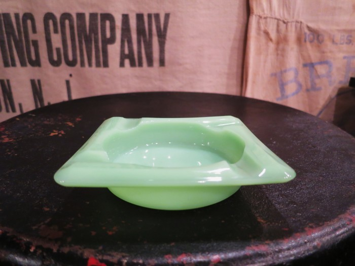 Fire King Jade-ite Ash Tray②_e0187362_17461764.jpg