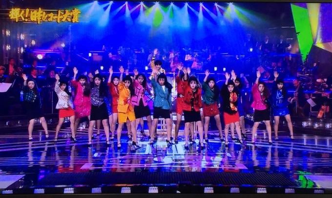 年末の歌番組を飾る登美丘高校ダンス部_b0017844_23281130.jpg