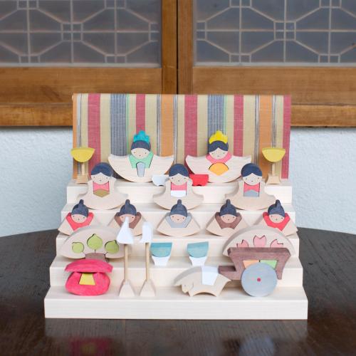 小黒三郎さんの組み木の雛人形について (2018年)_a0121669_22323187.jpg