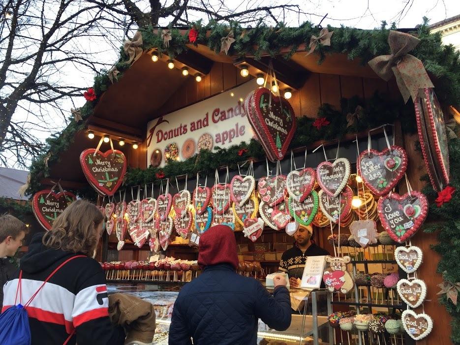 クリスマスマーケットとオスロの街_a0229904_07084621.jpg