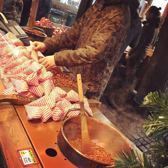 クリスマスマーケットとオスロの街_a0229904_07094744.jpg
