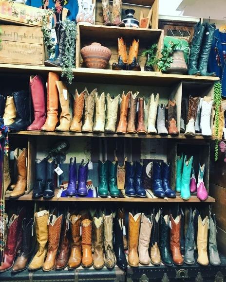 正月はcircusレディースいろんな靴靴靴だよ。_a0108963_22580165.jpg
