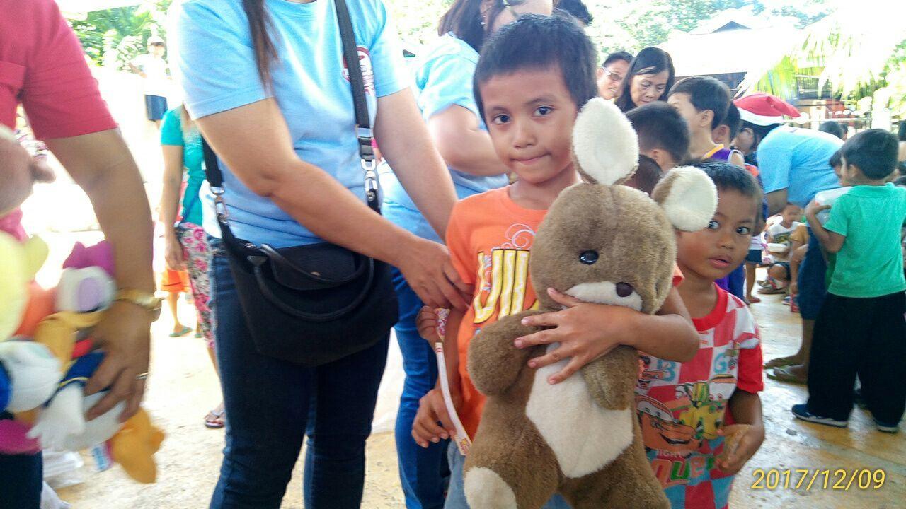 2017年フィリピン セブ島 クリスマス配布イベントのご報告_e0135675_21283807.jpg