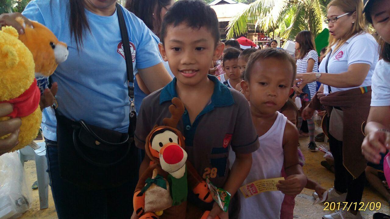 2017年フィリピン セブ島 クリスマス配布イベントのご報告_e0135675_21303791.jpg