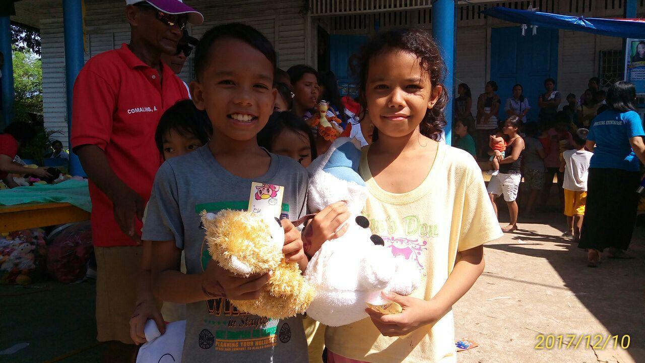2017年フィリピン セブ島 クリスマス配布イベントのご報告_e0135675_22302846.jpg