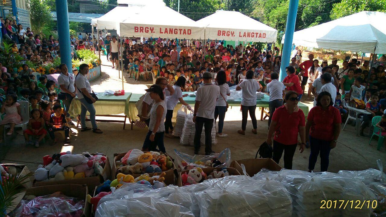 2017年フィリピン セブ島 クリスマス配布イベントのご報告_e0135675_22310531.jpg