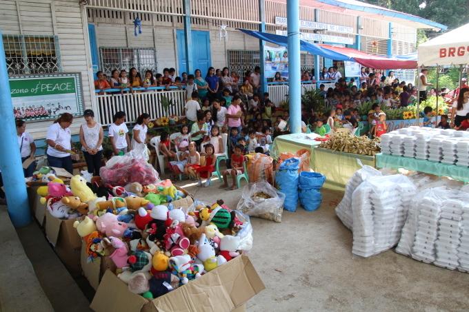 2017年フィリピン セブ島 クリスマス配布イベントのご報告_e0135675_23081299.jpg