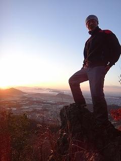 裏山で初日の出&湧谷山テレマーク_e0064783_18311246.jpg