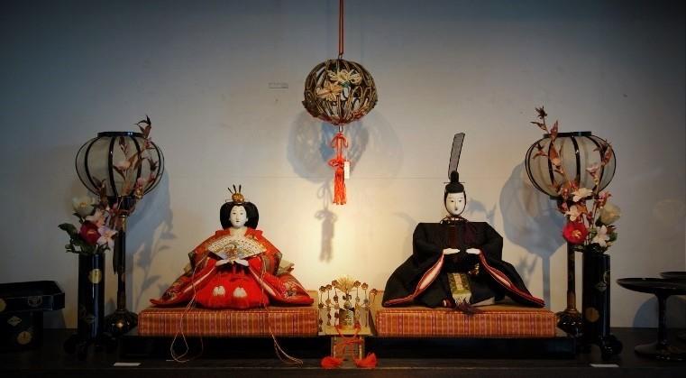 初春を祝う、毎年恒例の人形展…_b0232919_13182627.jpg