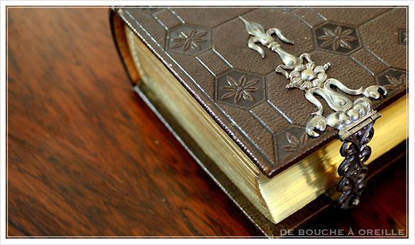album de photos en cuir 聖書・古書のようなフォトアルバム フランスアンティーク_d0184921_13591451.jpg