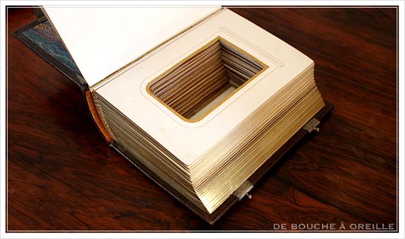 album de photos en cuir 聖書・古書のようなフォトアルバム フランスアンティーク_d0184921_14042628.jpg