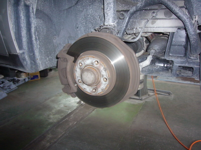 メルセデス・ベンツ A170 (W169)ブレーキ警告表示 整備_c0267693_15514028.jpg