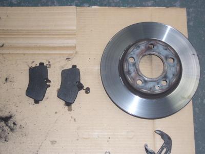メルセデス・ベンツ A170 (W169)ブレーキ警告表示 整備_c0267693_15514534.jpg