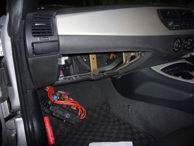 BMW Z4 ワイパーリレー交換_c0267693_16020314.jpg