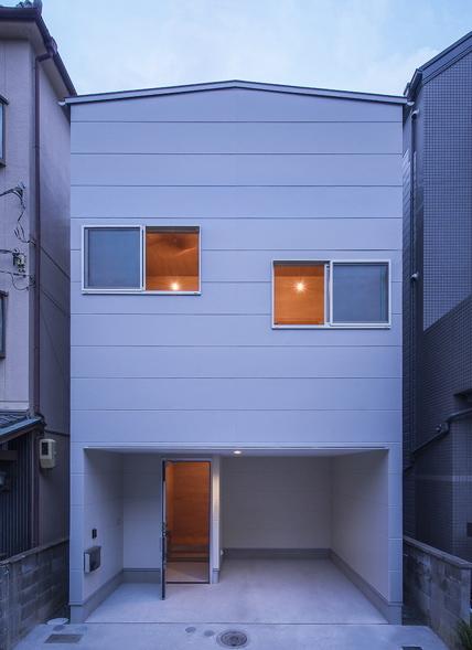 小さな家で無駄なく豊かに暮らすー pure + simple.design_d0111714_13511164.jpg