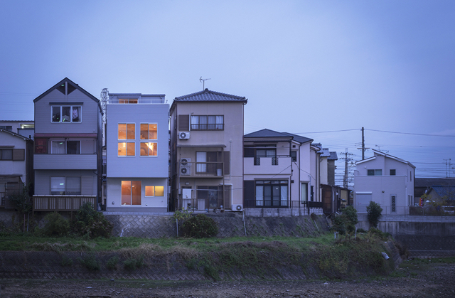 小さな家で無駄なく豊かに暮らすー pure + simple.design_d0111714_13512395.jpg