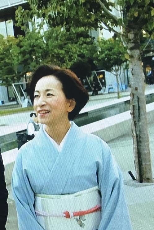 水色の着物の原田美枝子