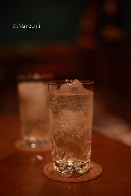 英国調バー ビッグベン ~静かな夜に乾杯~_e0227942_22383300.jpg