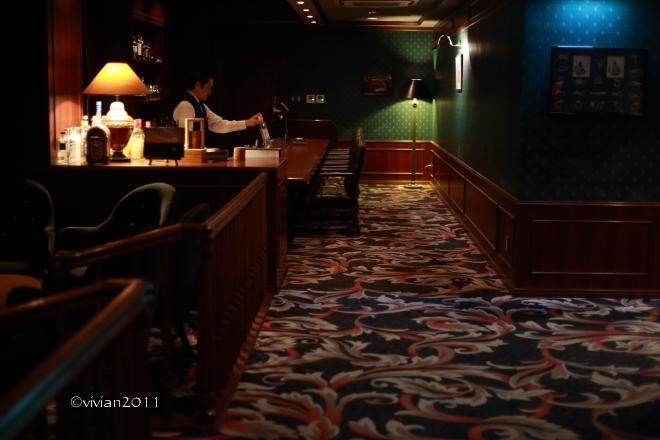 英国調バー ビッグベン ~静かな夜に乾杯~_e0227942_23003847.jpg
