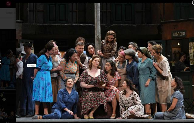 リセウ劇場でドニゼッティのオペラ「愛の妙薬」を見る_b0064411_08252742.jpg