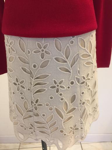 小さいサイズのスカート_c0223630_16571993.jpg