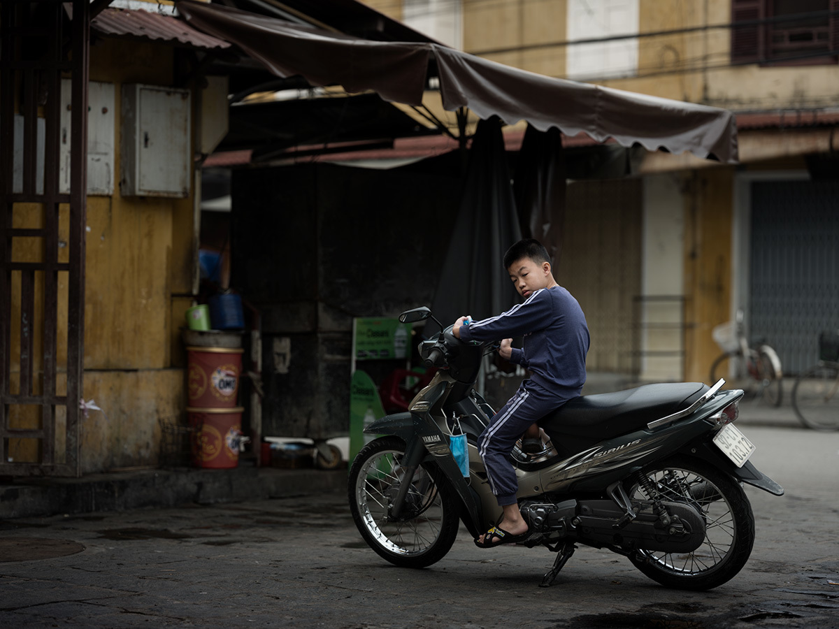 バイクに乗った少年 Hoi An,La Cité antique II #GFX50S_c0065410_22575971.jpg