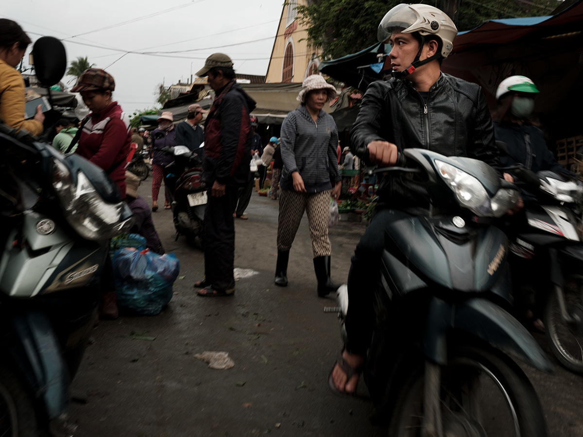 バイクに乗った少年 Hoi An,La Cité antique II #GFX50S_c0065410_22580870.jpg