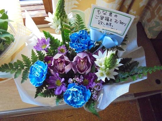 モナ先生とお花_a0064067_22003538.jpg