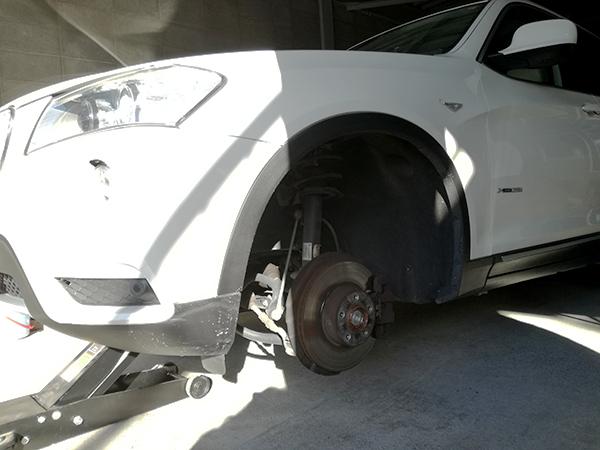 BMW X3 スタッドレスタイヤ&ホイールセット_e0288784_00394855.jpg