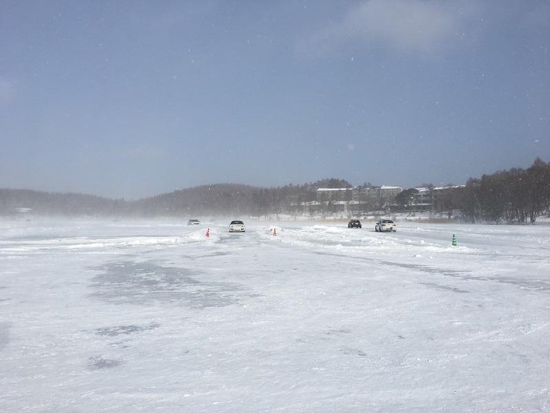 女神湖で氷上ドライブを楽しもう_f0076731_18182722.jpg