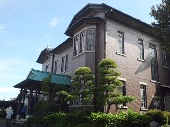 迎賓館の窓 入間市(埼玉)_e0098739_16314385.jpg