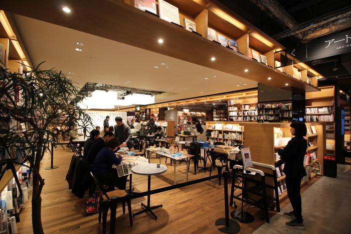 時計づくりのワークショップ at 六本松 蔦屋書店_e0037548_09252220.jpg