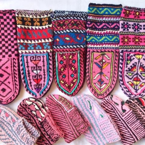 「リネンと刺繍とくつしたと」開催中_d0156336_01114268.jpg