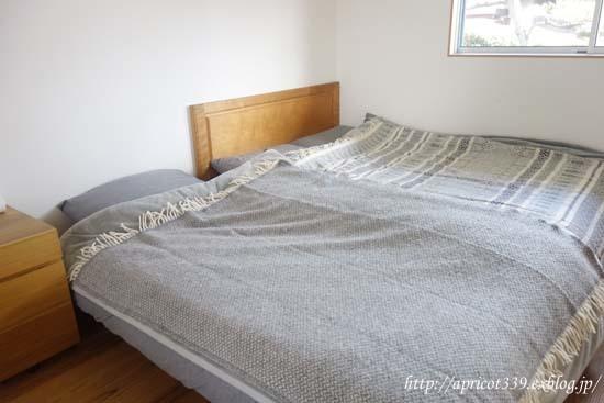 冬の寝室と、毛布と布団の重ね方_c0293787_13495585.jpg