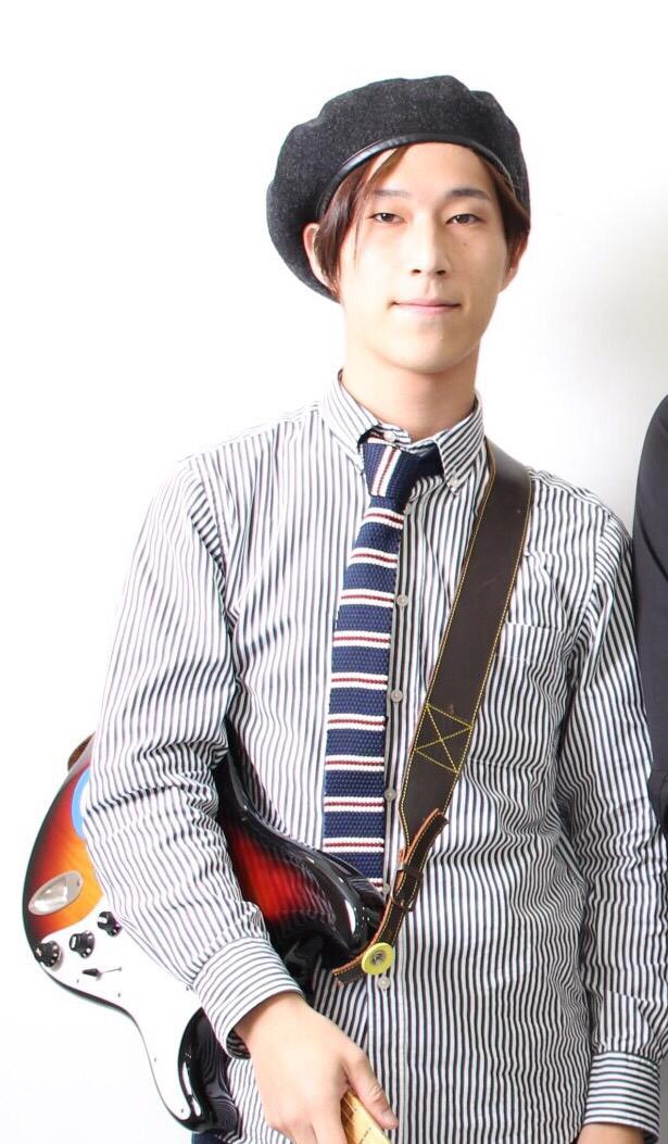 2018/1/16「ギタースクールの講師紹介」_e0242155_22300092.jpg