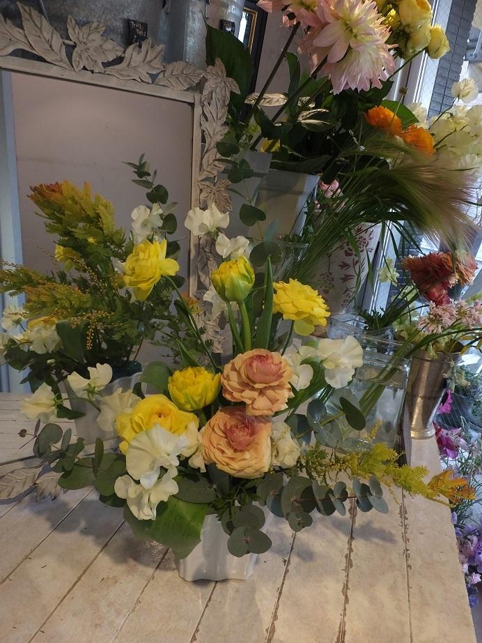 オークリーフ花の教室(山田さんと小川さんの作品)_f0049672_18051196.jpg