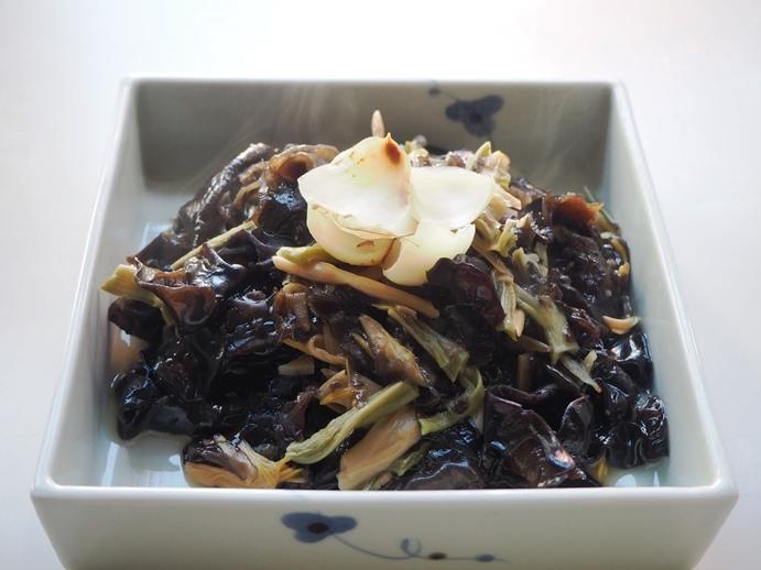 山海月と木耳、金針菜の生姜炒め_e0148373_21423367.jpg