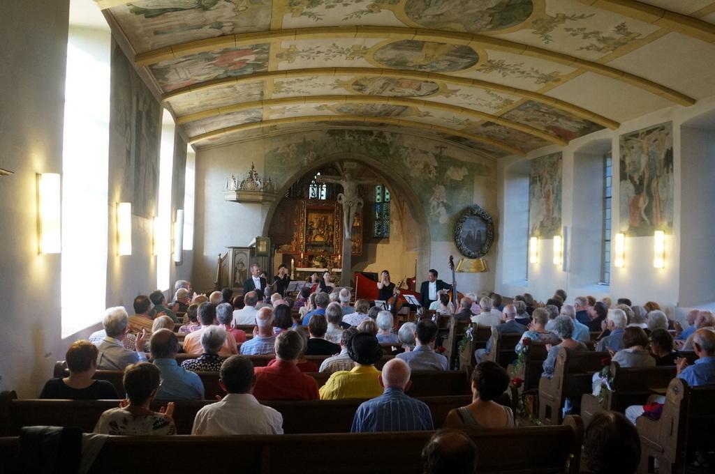 RossiniDuo フランケンの古都の教会で_c0180686_21150853.jpg