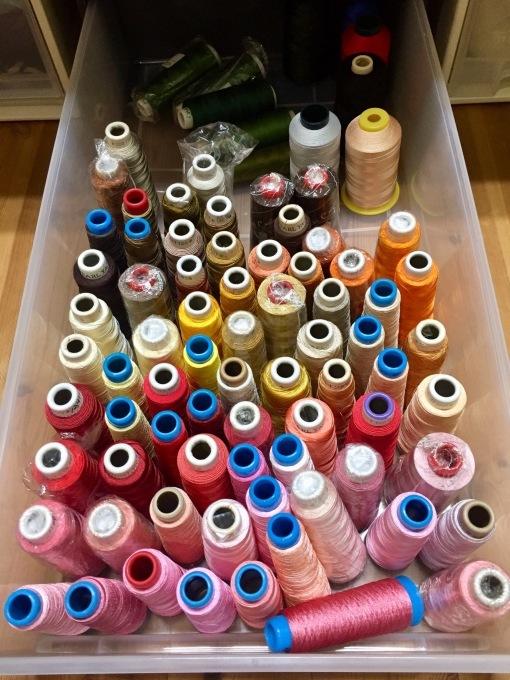 ミシン刺繍糸の整理グッズ?_e0385587_00411738.jpeg